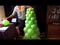 Como hacer un Arbol Navideño con globos - How to make a Balloon Christmas Tree - YouTube