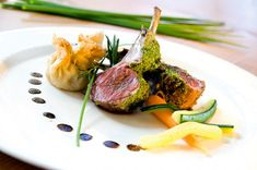 Tipos de montajes Gourmet Food Plating, Tapas, Chef Dishes, Risotto Recipes, Group Meals, Healthy Nutrition, Food Design, Gourmet Recipes, Catering