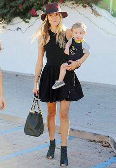 Kristin Cavallari goes without makeup while getting lunch with her 13 months old son Camden.