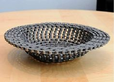 Chain bowl. Recycling of wood, metal, tires and thrown away waste as homemade furniture. » Repurposed bicycle parts.