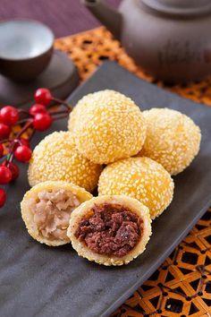 sesame ball   Taiwanese dessert treat http://exploretraveler.com…