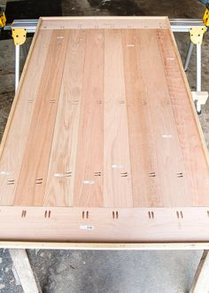 DIY Retrofitted Dining Table Top - Bless'er House #diyfurniture #diningtable