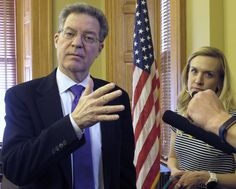 Next Kansas governor seeks to patch up legislator relations