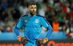 Paris St Germain goalkeeper Salvatore Sirigu has moved to Sevilla on a season-long loan, the two clubs confirmed on Friday.