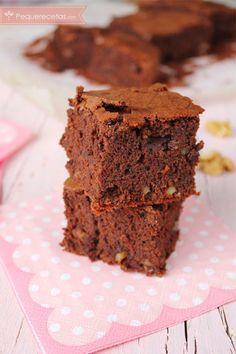 Brownie. Cómo hacer el brownie perfecto , ¿Quieres hacer el brownie perfecto, ese por el que todos suspiramos? Os explicamos la receta de brownie paso a paso con imágenes.