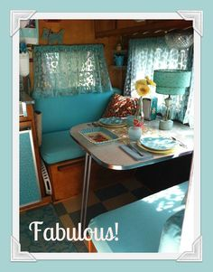 Camper interior in turquoise, nicely done! Vintage Rv, Vintage Caravans, Vintage Travel Trailers, Looks Vintage, Vintage Style, Retro Caravan, Retro Campers, Camper Trailers, Vintage Campers