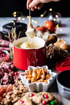 Try this Cheese Fondue Board. recipe, or contribute your own. Cake Ingredients, Christmas Cheese, Christmas Nibbles, Christmas Recipes, Holiday Recipes, Swiss Fondue, Fondue Party, French Dishes, Recipes