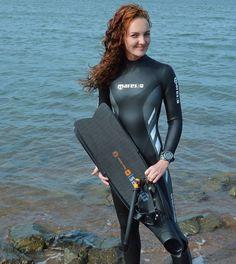 Redhead in wetsuit Scuba Wetsuit, Diving Wetsuits, Diving Lessons, Triathlon Wetsuit, Technical Diving, Tri Suit, Scuba Girl, Womens Wetsuit, Sport Girl