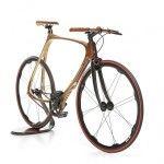 Cwbikes, en provenance d'Italie nous présente le fuit de la collaboration entre un père et son fils, le carbon wood bike