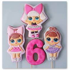 Кукол много не бывает! Девочки поймут  #персонажимр #royalicingcookies #gingerbread #decoratedcookies #cookiedecoration #sugarart…