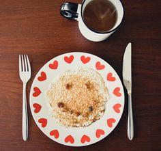 20 minuten  Bevat geen gluten, lactose, koemelk, soja of noten Wat heb je nodig? Voor 4-5 medium glutenvrije en lactosevrije pannenkoeken 1 cup rijstmeel of