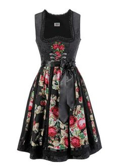 Still Not sure what to think about Black Dirndl, but this One is beautiful