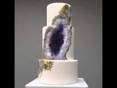 This amethyst geode cake was created by Rachael Teufel of Intricate Icings Cake Design on January 2016 for an industry event celebrating the launch of Fi. Unique Wedding Cakes, Wedding Cake Designs, Wedding Desserts, Wedding Cake Toppers, Isomalt, Icing Cake Design, Geode Cake, Pear Cake, Plan My Wedding