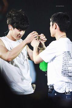 Exo Couple, Chansoo, Park Chanyeol, Kyungsoo, Bambam, Boy Groups, Teen, Concert, Macau