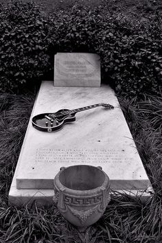 Duane Allman in Rose Hill Cemetary ~ Macon, GA