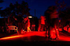 """FIESTA ARGENTINA am 8. September 2012 im Garten der Villa Klein in Johannisberg/Rheingau. Ricardo """"El Holandés"""" sorgte für perfekt zusammengestellte Tangomusik der 30er, 40er und 50er Jahre. Die Gäste vergnügten sich lange beim Tangotanz. (Foto: Theresa Rundel)"""