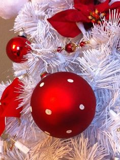Click Pic - 30 Christmas Tree Decorating Ideas - Red Decorations on White Tree - DIY Christmas Decorations