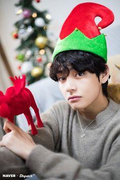 BTS V Christmas photoshoot by Naver x Dispatch ///// Jimin, Bts Selca, Kookie Bts, Kim Namjoon, Bts Bangtan Boy, Bts Boys, Seokjin, Jung Hoseok, Jhope