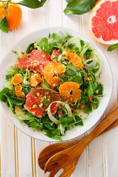 This Winter Citrus Salad w/ Watercress, Fennel, and Pistachios is sweet, tart, flavorful, and a breeze to put together! | Recipe via @GratefulGrazer