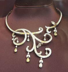 "Diamonds and Rhubarb ®: Part 3, Boucherone 26 Place Vendôme - ""poor presentation of necklace"""