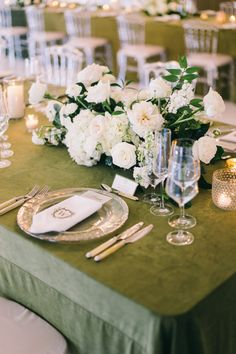 La Tavola Fine Linen Rental: Velvet Fern | Photography: Jaimee Morse, Planning: REVEL Wedding Co, Florals: Lux Wedding Florist, Rentals: Prim Rentals and Event Rents, Draping: Quest Events
