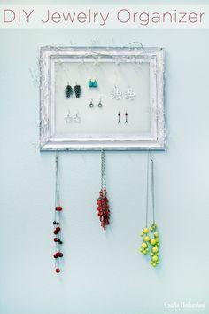 Shabby Chic Plastic Canvas DIY Jewelry Organizer-full step-by-step photo tutorial.