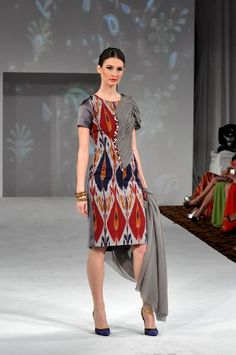 Ikat Blouse Batik, Batik Dress, Silk Dress, Simple Kurti Designs, Kurta Designs, Traditional Fashion, Traditional Dresses, Batik Fashion, Boho Fashion