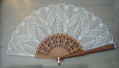 Terug naar 't kantkussen 2 Bobbin Lace Patterns, Sewing Patterns, Hobbies And Crafts, Diy And Crafts, Bobbin Lacemaking, Celtic Designs, Lace Making, Lace Design, Celtic Knot