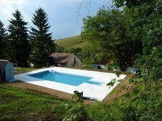 #Forest Castle met een prachtig #zwembad is gelegen in de provincie Nograd in #Hongarije aan de Slowaakse grens midden in de bossen welke grenzen aan diverse natuurparken. Met lange zomers, prachtige winters, heerlijke gerechten en bijzondere wijnen is het hier goed vertoeven.