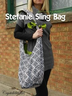 So cute and functional! Free Sewing Pattern for a Reversible Stephanie Swing Bag. #Pattern by CrystelleBoutique