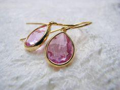 Ohrringe vergoldet Glas pink von Querbeads Atelier auf DaWanda.com