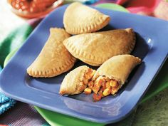 Taco Chicken Empanadas | Contributed By: Campbell's Kitchen | Using refrigerated pie crusts make these empanadas easy and tasty...filled with chicken, corn and green chiles, they're perfect for those nights when you need dinner on the go. | Via: huffingtonpost.com