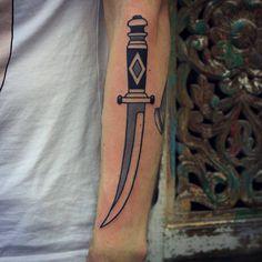 Patryk Hilton [ Demolka Tattoo , Bydgoszcz ]  #dagger #daggertattoo #tattoo #oldschooltattoo #traditional #traditionaltattoo #classictattoo #blackwork #tatuaż #dziara #ink #inked #patrykhilton