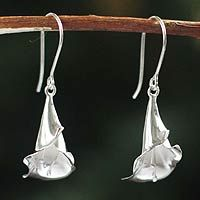 Magnificent Calla from @NOVICA, They help #artisans succeed worldwide.