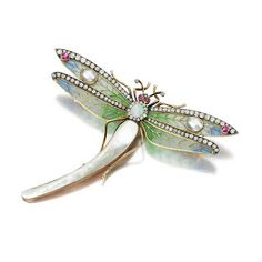 An Art Nouveau-style dragonfly brooch from the early 20th century