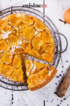 Une idée de pâtisserie facile à réaliser avec cette recette de tarte fine aux abricots #recette#cuisine#tarte #abricot#patisserie Tarte Fine, Salty Tart, Torte, Meal