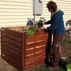 Pallet Compost Bin with Planters