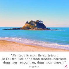 En Bretagne se trouve un rocher avec des airs d'île au trésor. Citation et Inspiration.