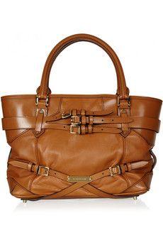 Goodness how I LOVE this Burberry bag...!!!