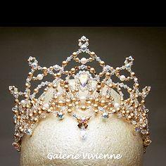 スワロフスキーの輝き華やかなオーダーメイドティアラ。 #ballet #tiara #headpiece #Vivienne #swarovski #tokyo