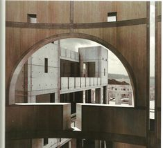 I love Louis Kahn. Sure wouldn't like him to be my dad though.. (http://www.myarchitectfilm.com/)