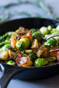 Paleo Roasted Brussels Sprouts with Bacon, Apples and Rosemary {Whole30} This side dish is ready quickly and can double as breakfast by adding eggs!