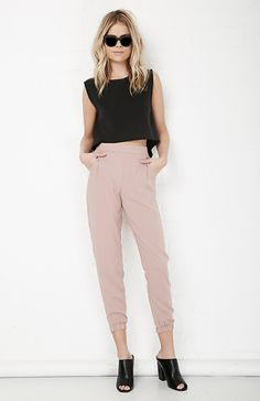 Garvin Woods Straight Leg Pant in Mocha S - L | DAILYLOOK