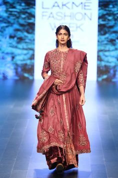 Vrisa at Lakmé Fashion Week winter/festive 2016 Lakme Fashion Week, India Fashion, Red Fashion, Fashion Outfits, Fashion Weeks, Indian Groom Wear, Indian Wear, Indian Wedding Outfits, Indian Outfits