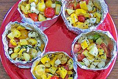 Vegetable parcels for the barbecue - Rezepte - Shrimp Recipes Ribs Au Barbecue, Ribs On Grill, Barbecue Recipes, Pork Ribs, Grilling Recipes, Bbq Grill, Grilled Vegetables, Veggies, Grill Party