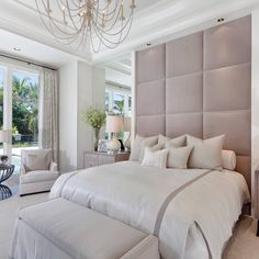 Love the floor to ceiling headboard! What a cozy oasis designed by - Most creative decoration list Indian Home Decor, Fall Home Decor, Design Your Home, House Design, Inspire Me Home Decor, Master Room, Master Suite, Target Home Decor, Deco Design