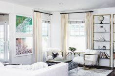 Come inside the beach side home of Chriselle Lim and see how she decorates with two framed beach prints by Gray Malin Home Living Room, Living Room Decor, Living Spaces, Kitchen Living, Bedroom Decor, Sweet Home, My New Room, Home Look, House Rooms