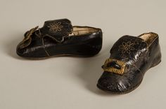 Pair of baby shoes, dated 1788. Leather, metal. Collection Centraal Museum, Utrecht, The Netherlands. Inv. no. 12372/001-002. Copyright: Centraal Museum.