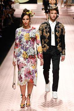 Dolce & Gabbana Spring 2019 Ready-to-Wear Collection - Vogue Look Fashion, Runway Fashion, Fashion Models, Fashion Brands, High Fashion, Fashion Show, Womens Fashion, Fashion Design, Dolce & Gabbana