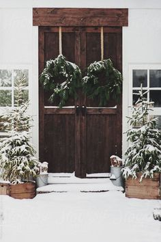 Fresh Farmhouse- Home Exterior. Merry Little Christmas, Noel Christmas, Rustic Christmas, Winter Christmas, All Things Christmas, Christmas Wreaths, Outdoor Christmas, Winter Porch, Christmas Entryway
